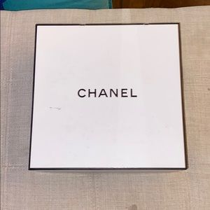 Chanel empty black and white box